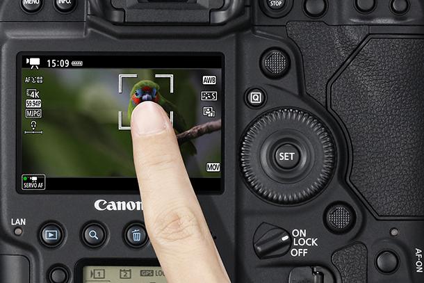 canon-eos-1dx-mkii-versus-eos-1dx__Mark2_touchscreen
