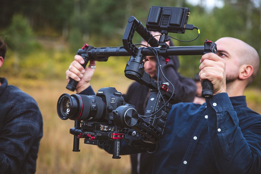 Làm phim trên Canon EOS: Những gì mà tất cả những người mới sử dụng phải biết.